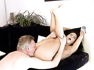 Amabella Finds It Arousing To Be Hammered In Front Of The Camera  : Pornalized.com Nude Tube