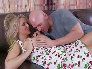 Mummy Julia Ann In Nice Summer Sundress Pulls Out Her