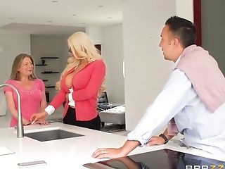Nicolette Shea Is A Blonde With Glasses In Need Of A Fuck