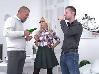 Nerdy Big Jugged Sexy Platinum-blonde Head Christina Shine Boldly Takes Double Penetration