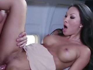 A Hot Bimbo Is Getting Fucked On The Plane By Her Paramour