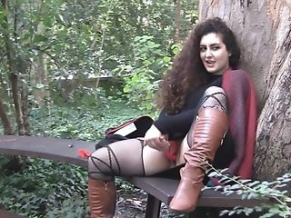 Sexual Enthusiasm - Hot First-timer Stunner Masturbates Outdoor
