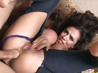 Big Titted Hot Mummy Ariella Ferrera Can't Wait To Take