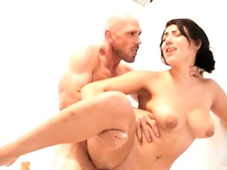 All Natural Dark-haired Trims Her Pubis Before Stallion Bangs Her